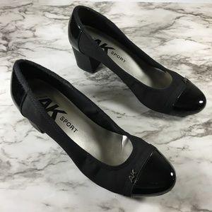 Ann Klein Black Round Toe Chunky Heel Shoes
